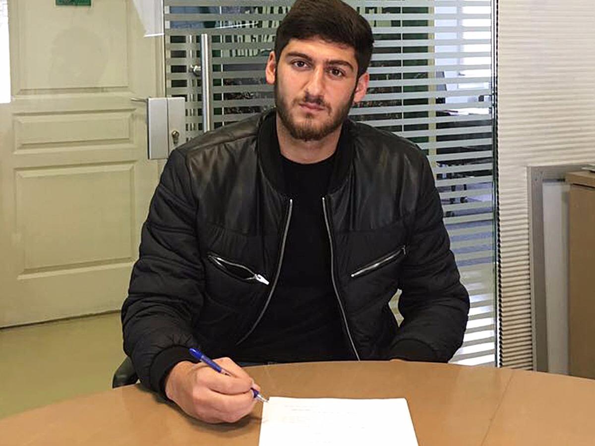 ג'יג'י דראסליה בן ה-18 חתם לשלוש שנים במועדון