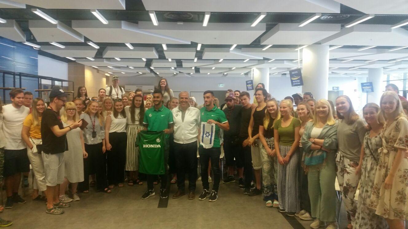 נציגי הקבוצה נפגשו עם תלמידים מנורווגיה