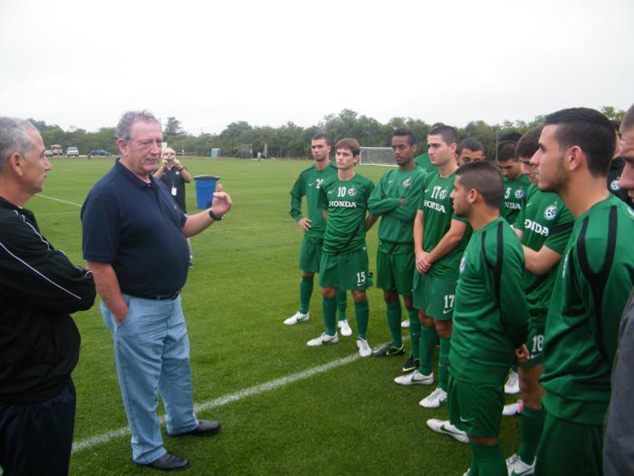 איתמר צ'יזיק וקבוצת הנוער בטורניר IMG 2012